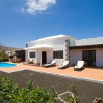 villa in Playa Blanca with a lot of extras centric