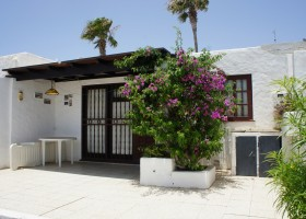 good priced  2 bedroom bungalow  5 minutes from beach