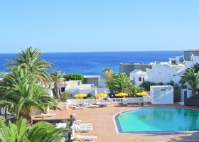 holiday home opposite the Puerto del Carmen beach