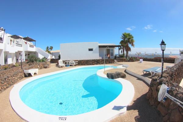 Puerto del Carmen holiday home with sea views