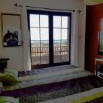 dormitorio uno con balcon